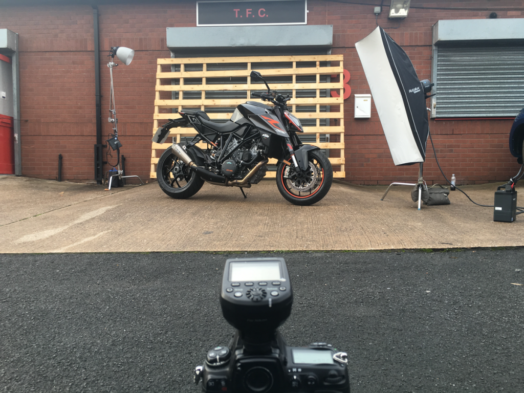 Automotive Photographer_Motorcycle and Car Photography behind the scenes_02